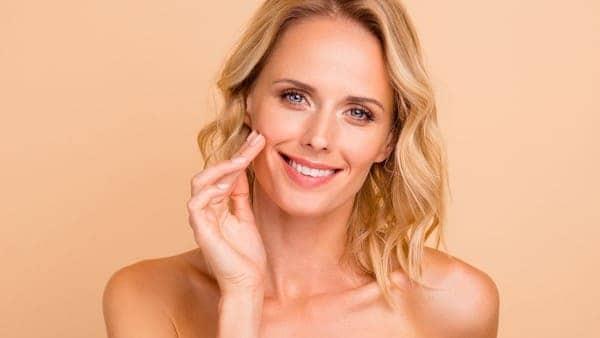 injection acide hyaluronique paris chirurgie esthetique visage paris chirurgien maxillo facial docteur charles mathieu bandini paris 17